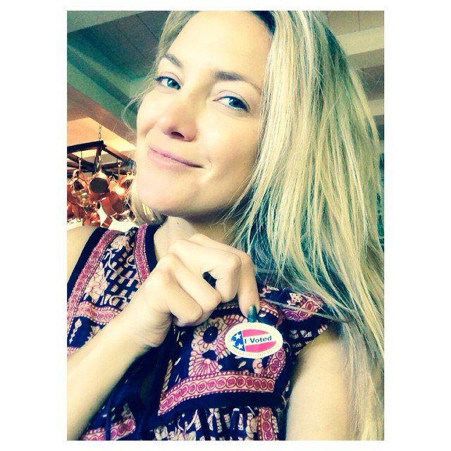 Kate-Hudson-took-selfie-after-voting