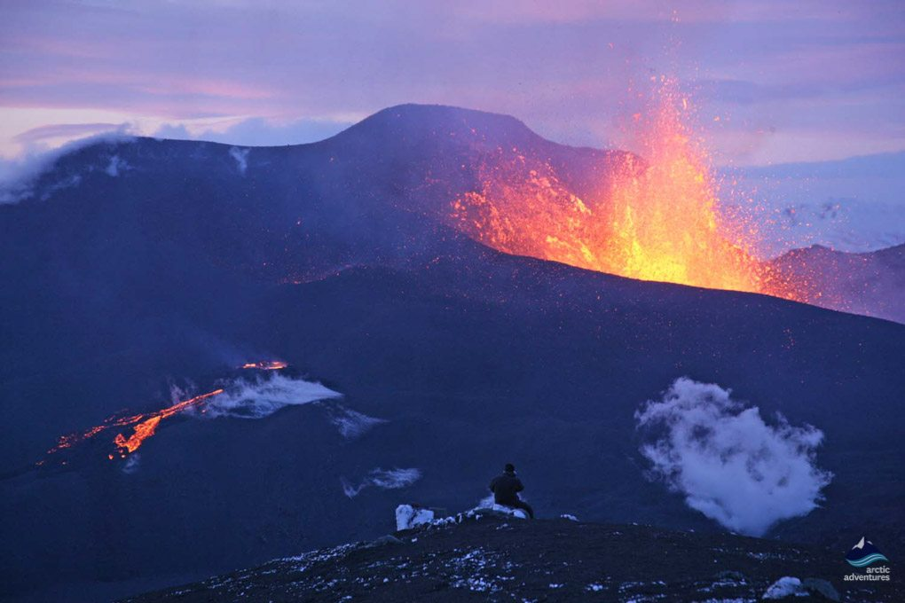 Eyjafjallajokull-fimmvorduhals-eruption-iceland11