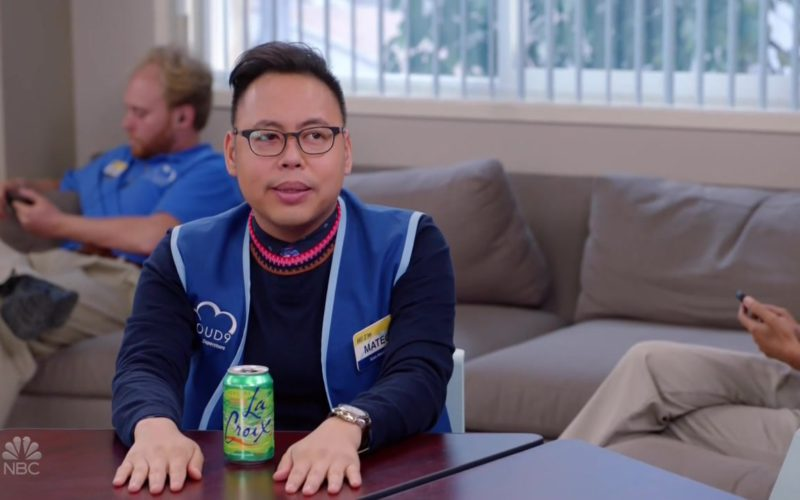 LaCroix-Sparkling-Water-in-Superstore-Season-4-Episode-7-1-800x500